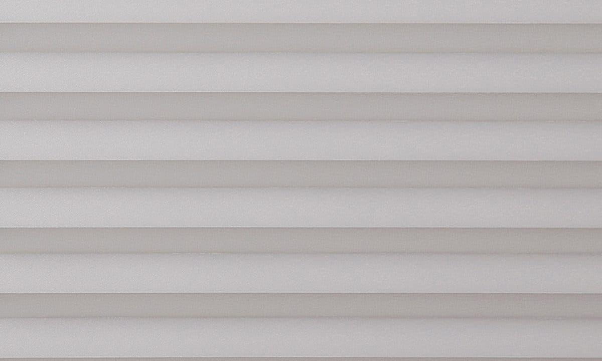 Plisséväv Basel 1213 - Semitransparent - Flamskyddad - Lämplig i fuktig miljö - Komposition: 100% polyester - Ljusäkthet (färgäkthet): ≥ 5-7 beroende på färg - Prisgrupp E