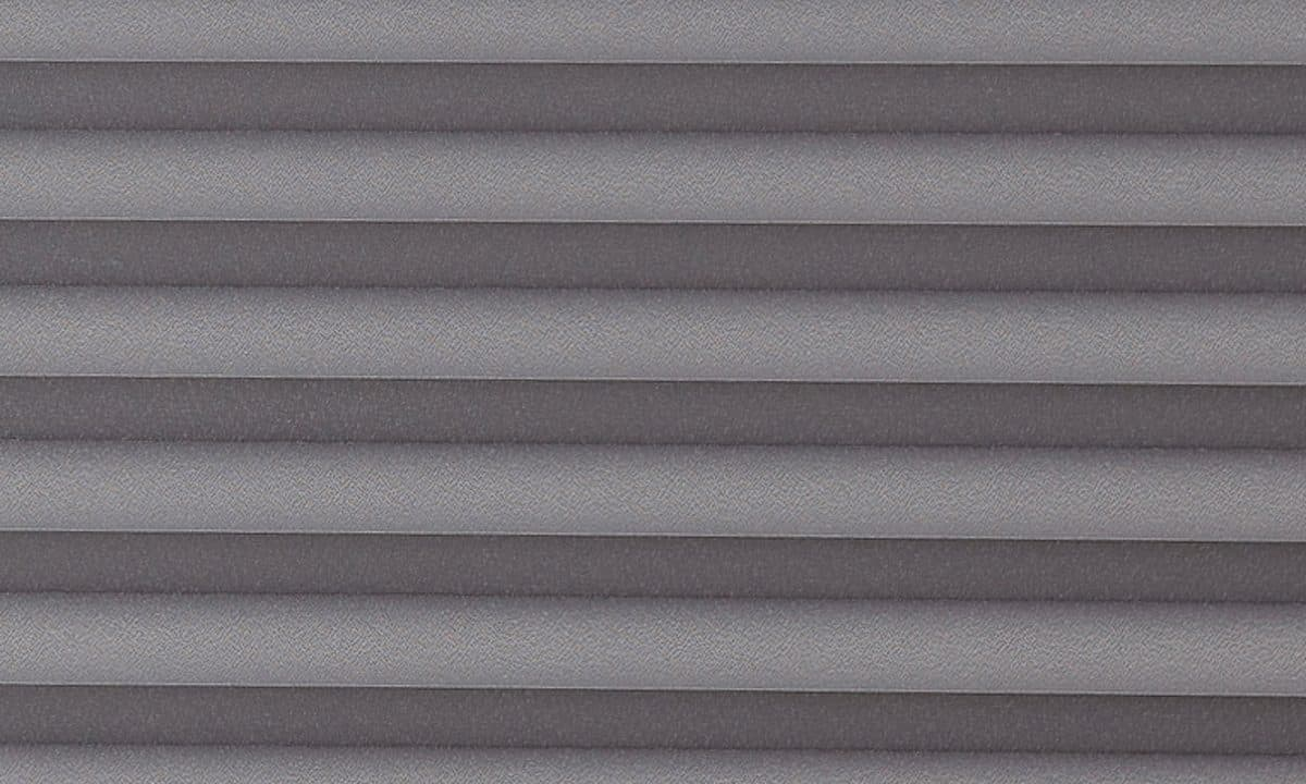 Plisséväv Frankfurt 7003 - Semitransparent - Flamskyddad - Metalliserad baksida - Lämplig i fuktig miljö - Komposition: 100% Trevira CS - Ljusäkthet (färgäkthet): ≥ 5-7 beroende på färg - Prisgrupp 2
